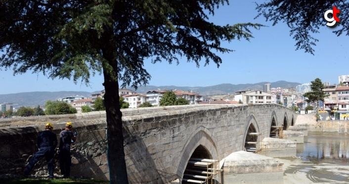 Tokat'ta 770 yıllık Hıdırlık Köprüsü'nde restorasyon çalışması başladı