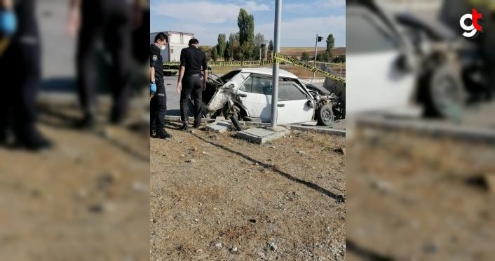 Çorum'da kamyonla otomobil çarpıştı: 1 ölü, 1 yaralı