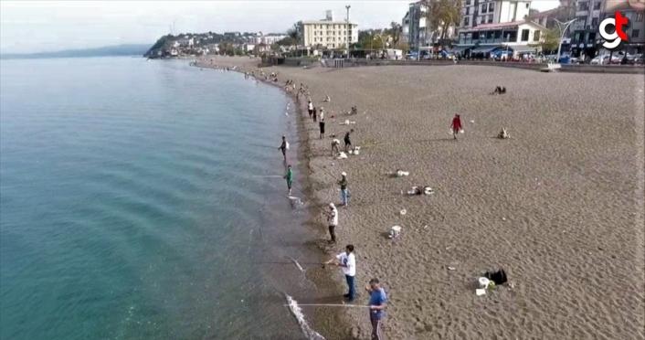 Düzce'de olta balıkçıları sahillere akın etti