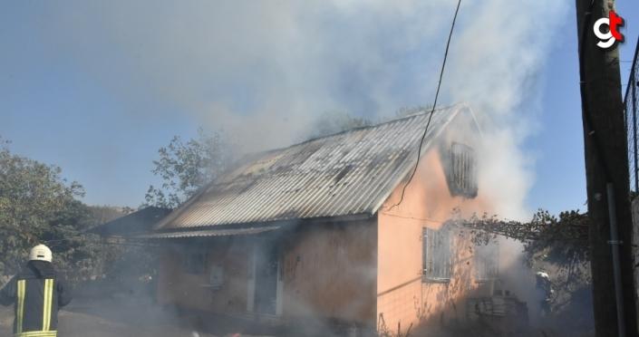 Samsun'da evde çıkan yangın okula sıçramadan söndürüldü
