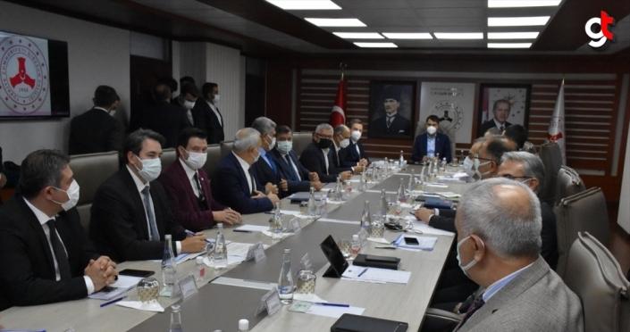 Bakan Kurum, selden etkilenen Giresun'da değerlendirme toplantısına katıldı