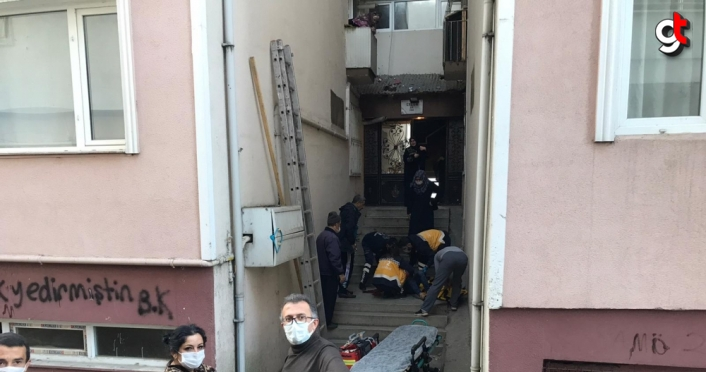 Düzce'de çatıdaki güvercinleri kovalarken beşinci kattan düştüğü iddia edilen çocuk öldü