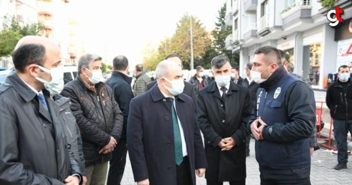 Samsun Valisi Zülkif Dağlı semt pazarında Kovid-19 denetimi yaptı