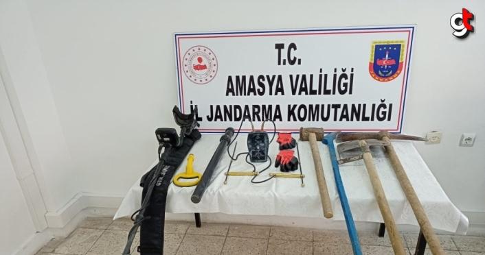 Amasya'da kaçak kazı yapan 6 kişi suçüstü yakalandı
