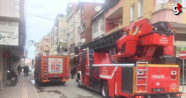 Bafra'da yangın çıkan ev zarar gördü