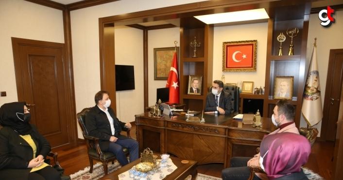 Belediye Başkanı Eroğlu'na personelden teşekkür ziyareti