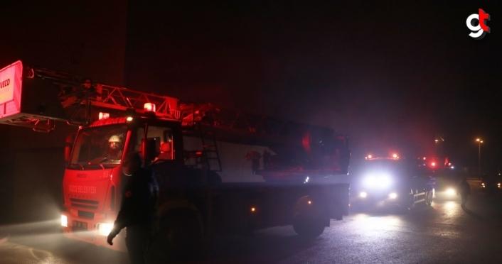 Düzce'deki fabrika deposunda çıkan yangın büyümeden söndürüldü