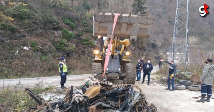 Giresun'daki selde kaybolan iki araç derede bulundu