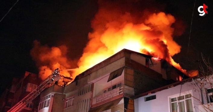 Karabük'te çatı katında yangın çıkan binada hasar oluştu