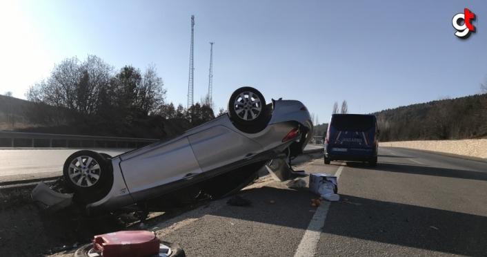 Karabük'te kanala devrilen otomobildeki 2'si çocuk 4 kişi yaralandı