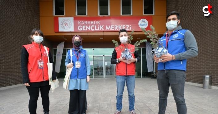 Karabük'te salgın döneminde evde kalanlara kitap servisi hizmeti sunuluyor