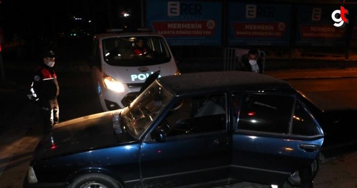 Karabük'te sokağa çıkma kısıtlamasına uymayan alkollü sürücü ceza verildi