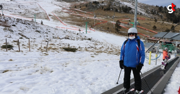Kartalkaya'da yapay karla kayak ve snowboard keyfi