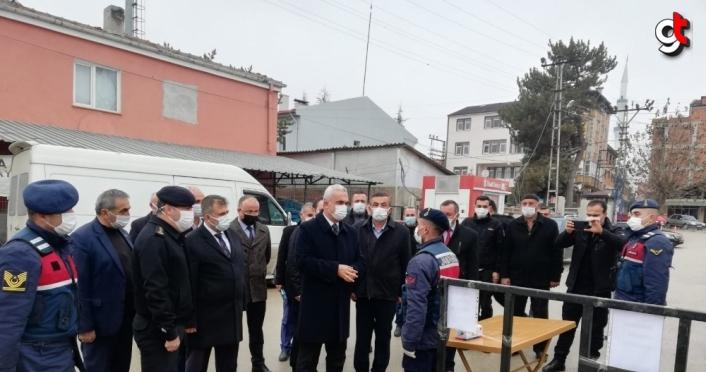 Kastamonu Valisi Avni Çakır, sarımsak pazarını ziyaret etti