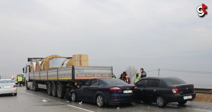 Kastamonu'da 5 aracın zincirleme trafik kazasında 3 kişi yaralandı