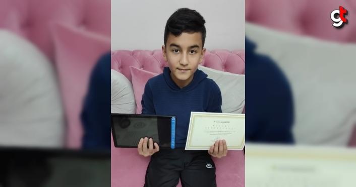 Kavak Milli Eğitim Müdürü Orhan Büyük başarılı öğrenciyi tebrik etti