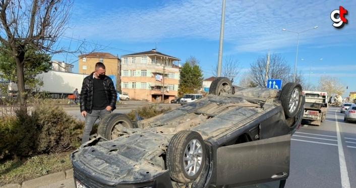 Samsun'da kamyon ile çarpışan otomobil devrildi: 1 yaralı