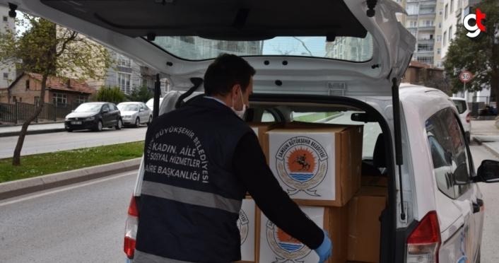 Samsun'da karantinadaki vatandaşlara sıcak yemek ve gıda kolisi