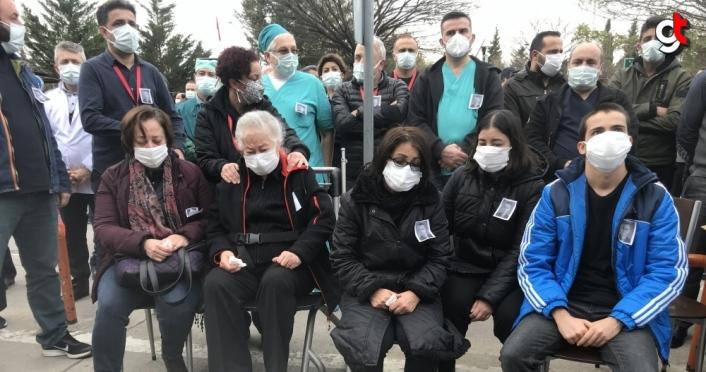 Samsun'da Kovid-19 nedeniyle yaşamını yitiren doktor gözyaşları arasında son yolculuğuna uğurlandı