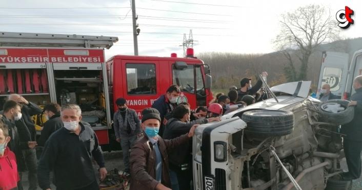 Samsun'da minibüsle çarpışan otomobilin sürücüsü ağır yaralandı