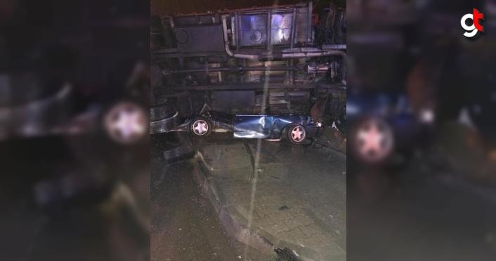 Samsun'da üzerine kamyon devrilen otomobilin sürücüsü yaralandı
