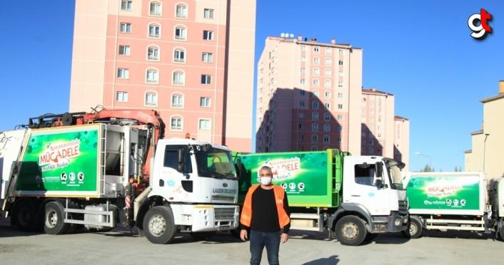 Samsun'da vatandaşlar Kovid-19'a karşı belediye hizmet araçları ve konteynerlere yazılan sloganla uyarılıyor