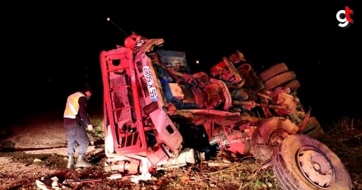 Samsun'da vinç 2 otomobile çarptı: 2 ölü, 1 yaralı