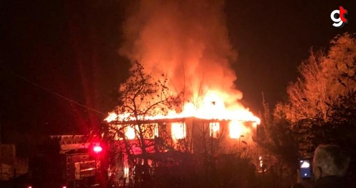 Samsun'da yangın çıkan ev kullanılamaz hale geldi