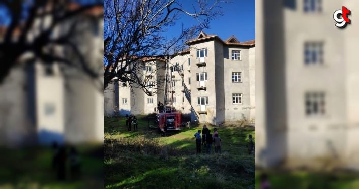 Sinop'ta otelin çatısında çıkan yangın söndürüldü