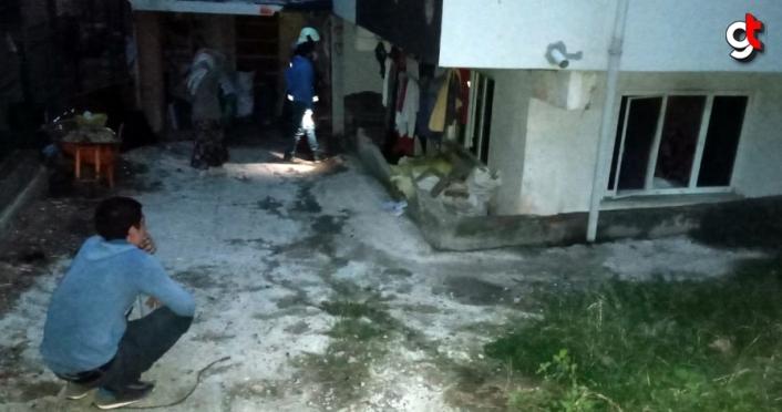 Sinop'ta yangın  sonucu bir ev kullanılamaz hale geldi
