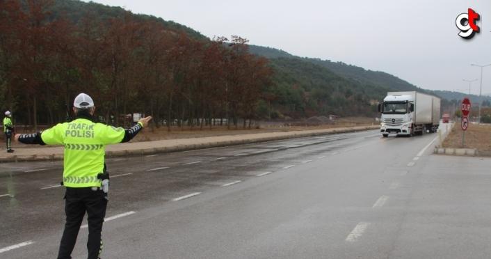 Taşova'da kış lastiği denetimi yapıldı