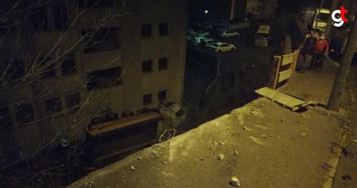 Zonguldak'ta tır şarampole devrildi: 2 yaralı