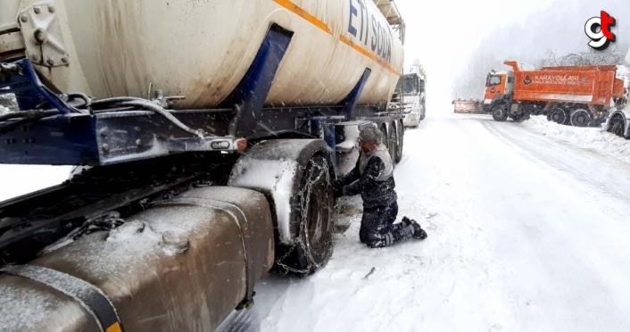 Bolu'da karla mücadele çalışması