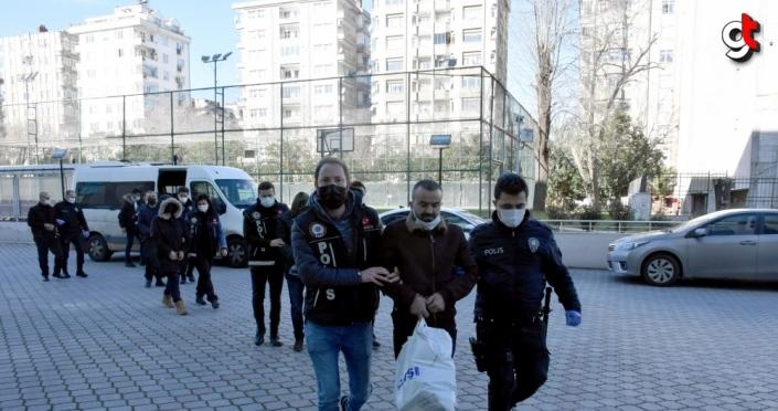 Samsun'da uyuşturucu operasyonunda yakalanan 6 zanlıdan 3'ü tutuklandı