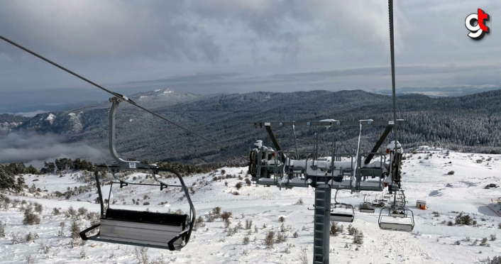 Karabük Keltepe'de telesiyej hattının yoğun kar yağışının ardından 18 Ocak'ta açılması planlanıyor