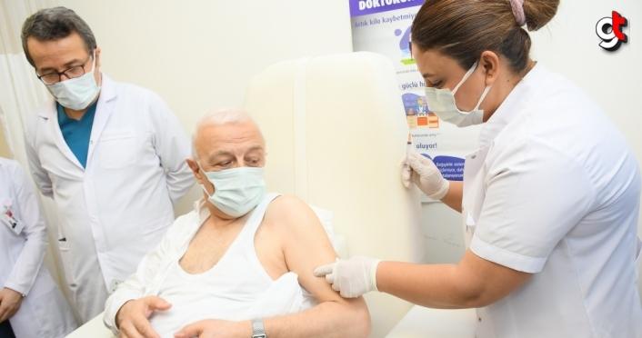 Kastamonu, Çorum, Sinop, Amasya, Tokat ve Çankırı'da sağlık çalışanları aşılanıyor