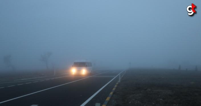 Kastamonu'da sis ulaşımı olumsuz etkiliyor