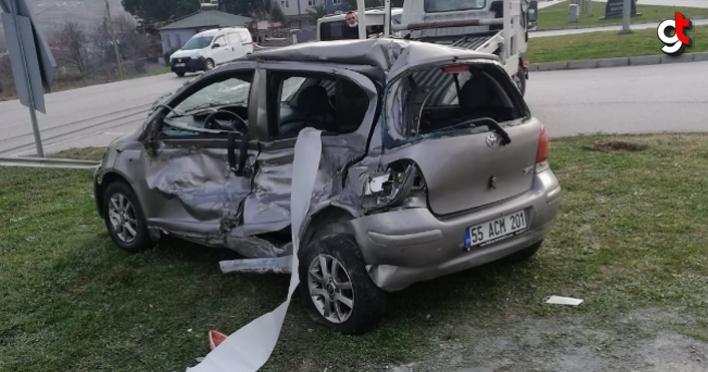 Samsun'da kamyon ile otomobil çarpıştı: 3 yaralı