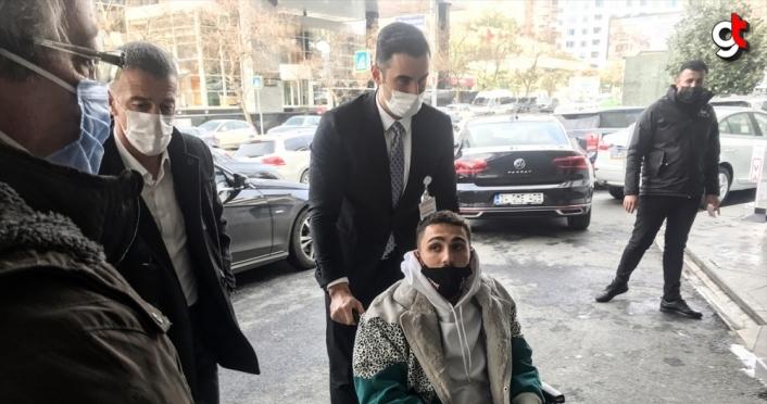 Trabzonsporlu futbolcu Abdülkadir Ömür, İstanbul'da