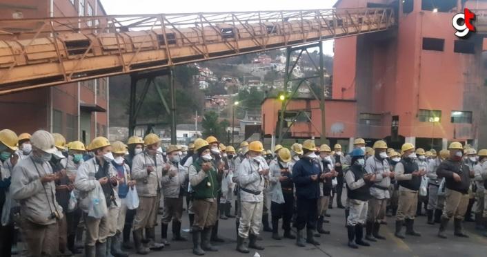 Zonguldak'taki metan gazı faciasında hayatını kaybeden madenciler anıldı