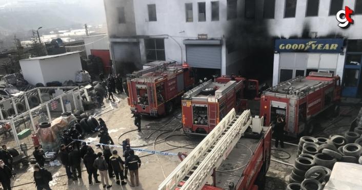 Karabük'te lastik deposunda çıkan yangında 7 kişi dumandan etkilendi