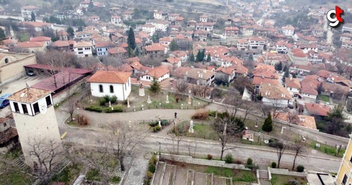 Osmanlı'nın minyatür saat kuleleri zamana tanıklık ediyor