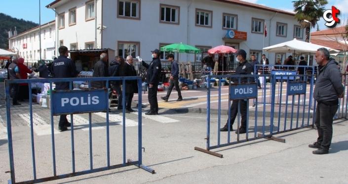 Amasya'da Kovid-19 tedbirleri kapsamında ilçe pazarı kapatıldı