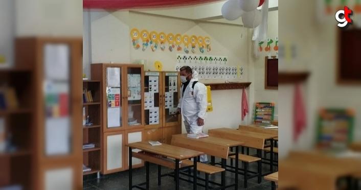 Giresun Belediyesi yüz yüze eğitim için okulları dezenfekte etti