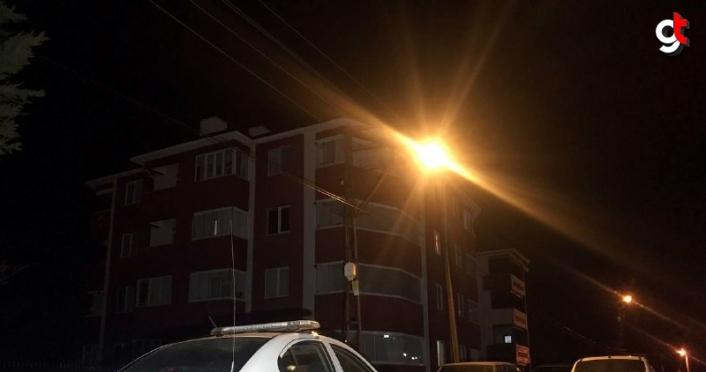 Karabük'te bir apartman Kovid-19 tedbirleri kapsamında karantinaya alındı