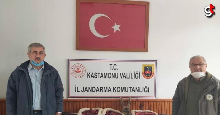 Kastamonu'da, araçlarında karaca eti bulunan 3 kişiye para cezası
