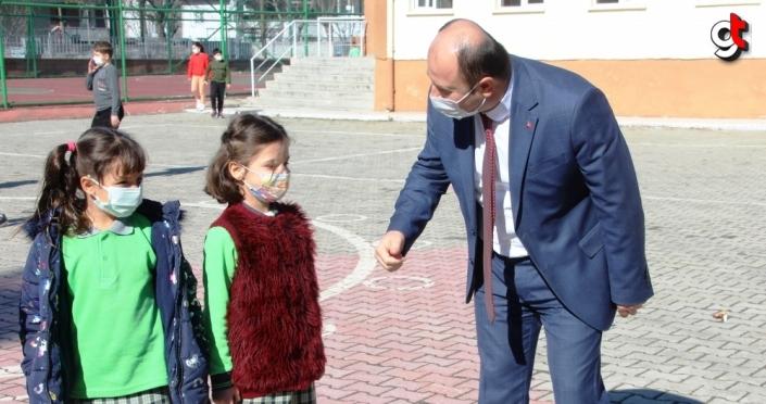 Taşova İlçe Milli Eğitim Müdürü Tümer okul ziyaretinde bulundu