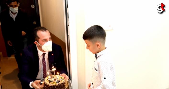 Akçaabat Belediye Başkanı Ekim, çocukların hem bayramlarını hem de doğum günlerini kutladı