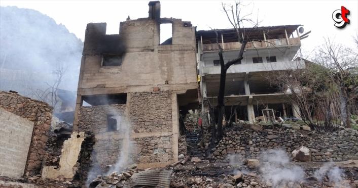 Artvin'de 4 ev, 4 samanlık ve 7 ahırın kullanılamaz hale geldiği yangın söndürüldü