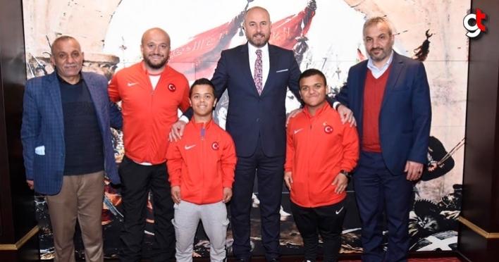 Başkan Hasan Togar, başarılı sporcuları ödüllendirdi